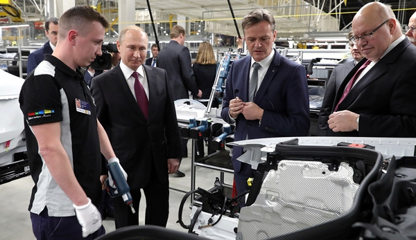 Daimler's new car factory in Moscow was opened with the participation of  President Putin
